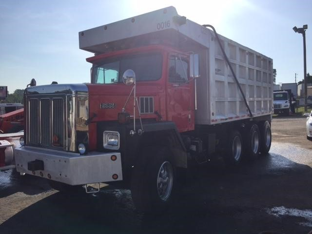 1975 International Paystar 5000 Dump Truck