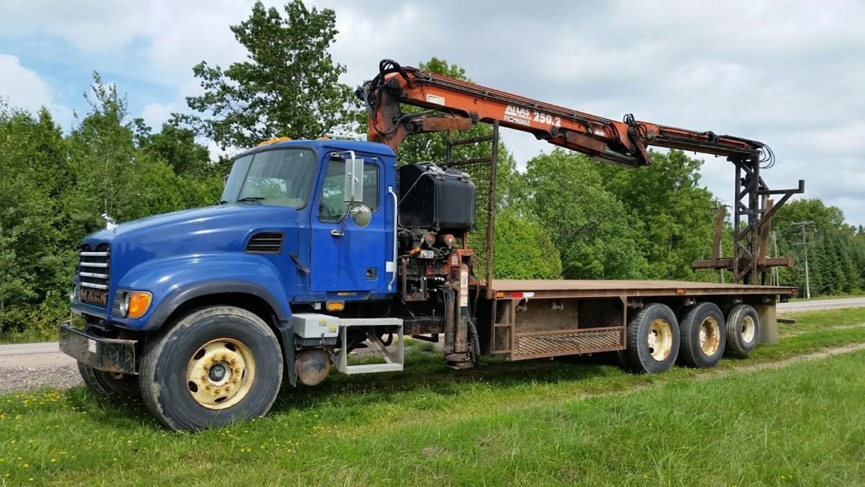 2004 Mack Granite Cv713  Crane Truck
