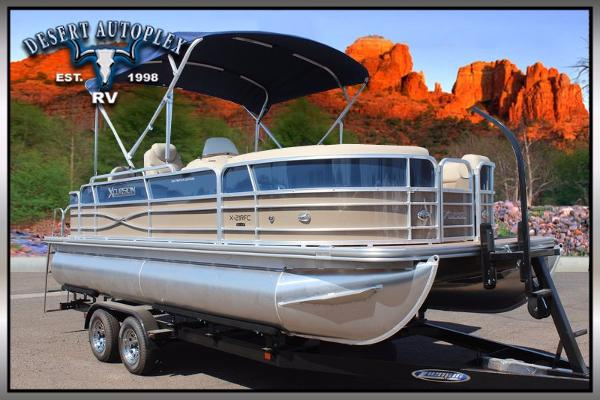2016 Forest River Xcursion 21RFC Pontoon Boat