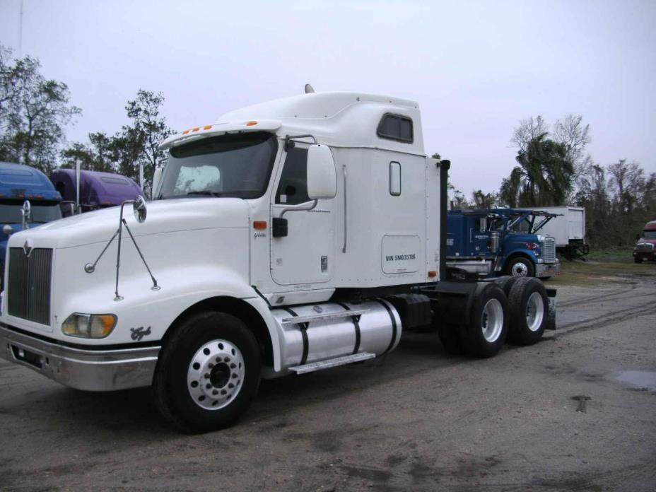 2005 International 9400i Eagle  Conventional - Sleeper Truck