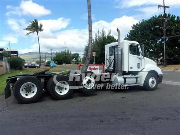 2008 Freightliner Columbia 120  Conventional - Day Cab