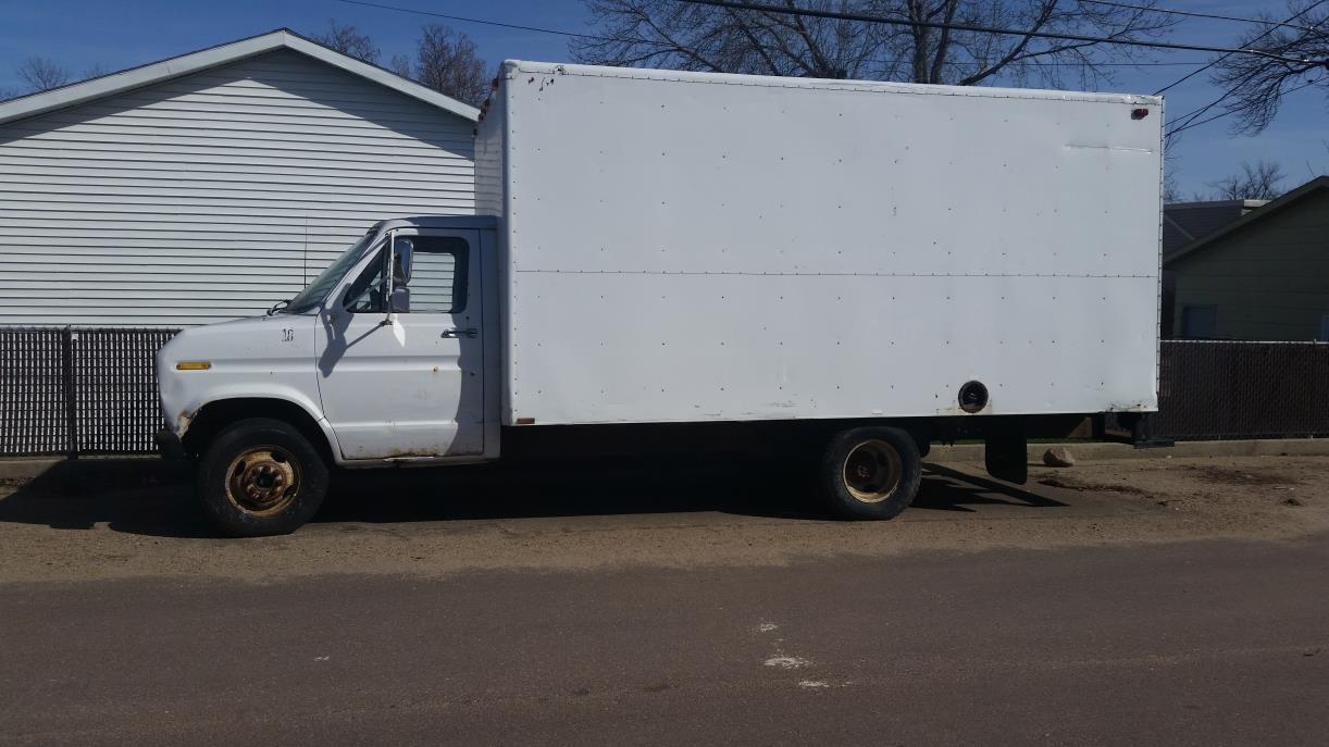 1989 Ford E250  Box Truck - Straight Truck