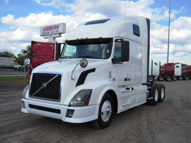 2012 Volvo Cascadia Evolution Conventional - Sleeper Truck