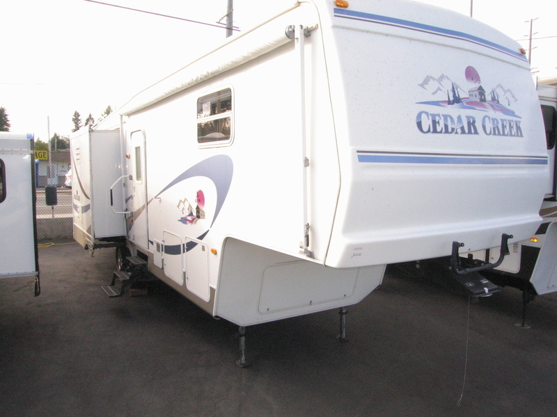 2002 Forest River Cedar Creek 30CKTS
