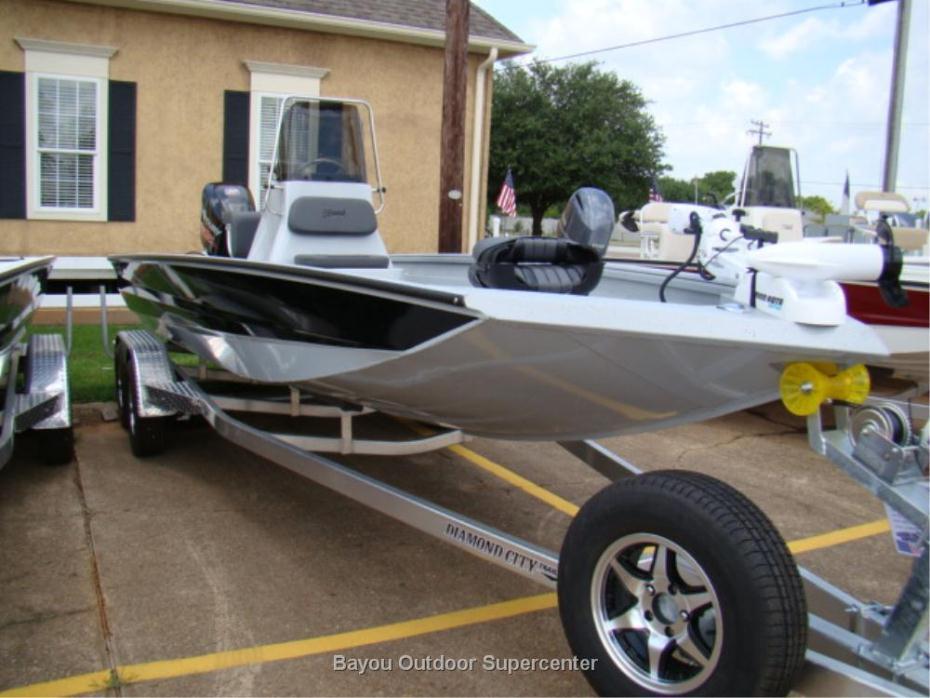 2017 Excel Boat Company 220 Bay Pro (Silver w/Black Stripe- w/Mercury 150L Pro