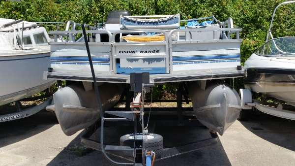 1995 Tracker Sun Tracker Fishing Barge 21