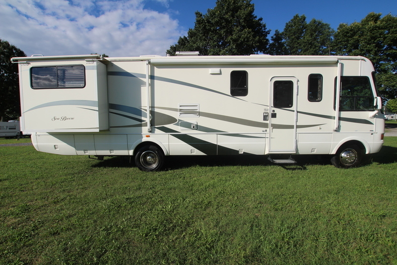 2004 National Rv Sea Breeze 1341