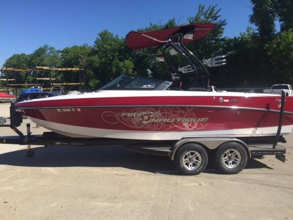 2009 Correct Craft Air Nautique Crossover 216 Team Edition Open Bow