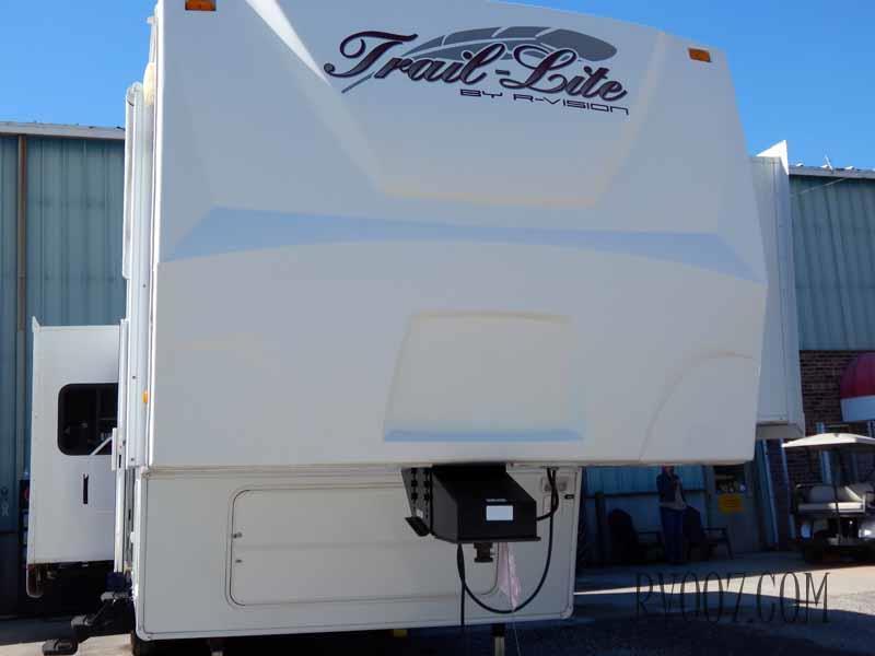 2010 R-Vision Trail-Lite 31SKT