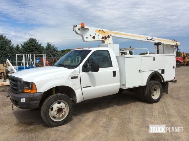 2001 Ford F-450 Xl Super Duty  Bucket Truck - Boom Truck