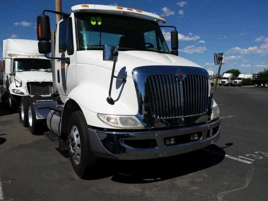 2009 International 8600 Conventional - Day Cab