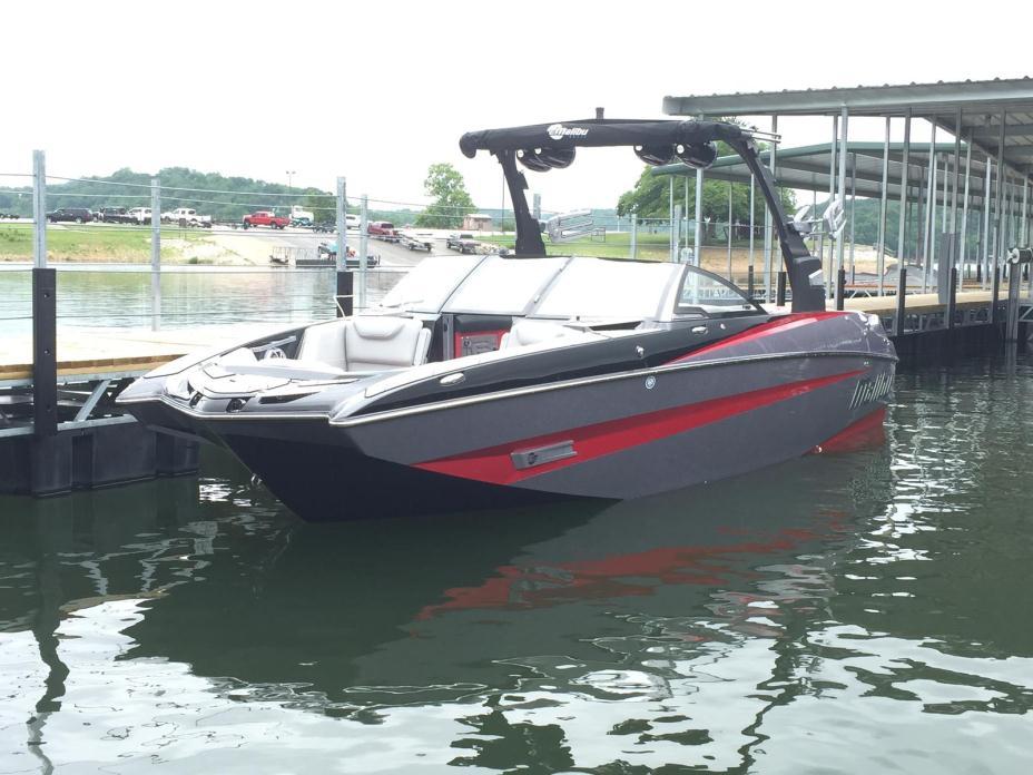 2016 Malibu Boats LLC M235