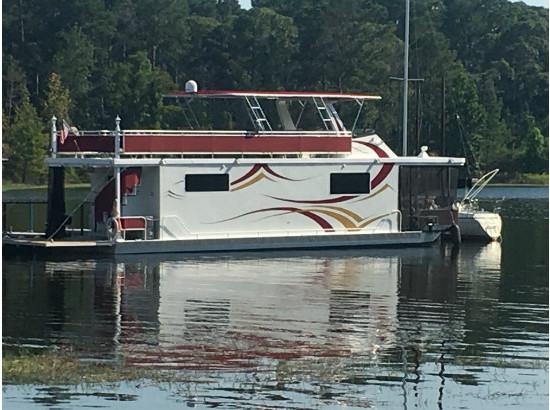 2011 Custom Luxury Houseboat