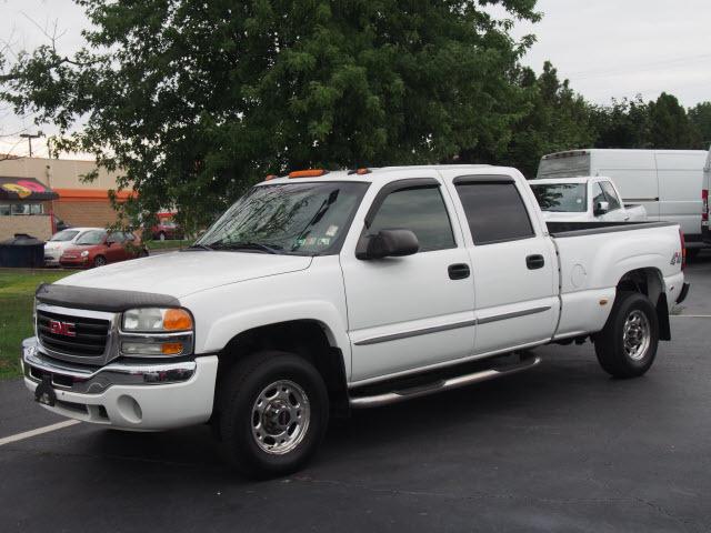 2003 Gmc Sierra 1500hd  Pickup Truck