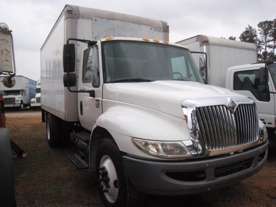 2008 International 4300  Box Truck - Straight Truck