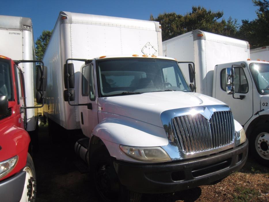 2007 International 4300  Box Truck - Straight Truck