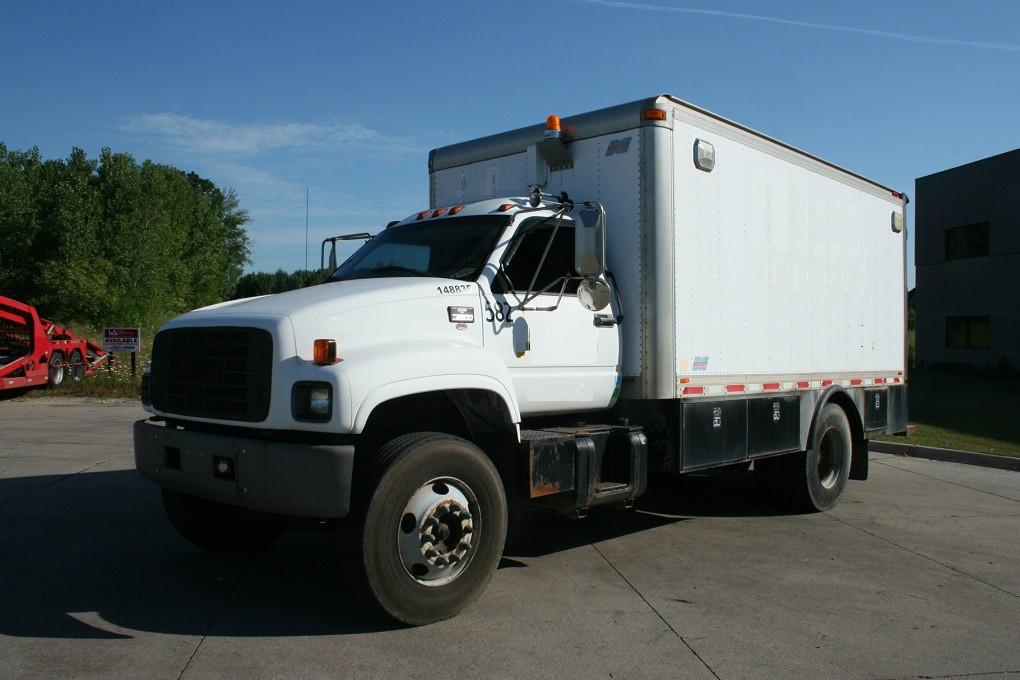 2000 Chevrolet C7500 Fuel Truck - Lube Truck
