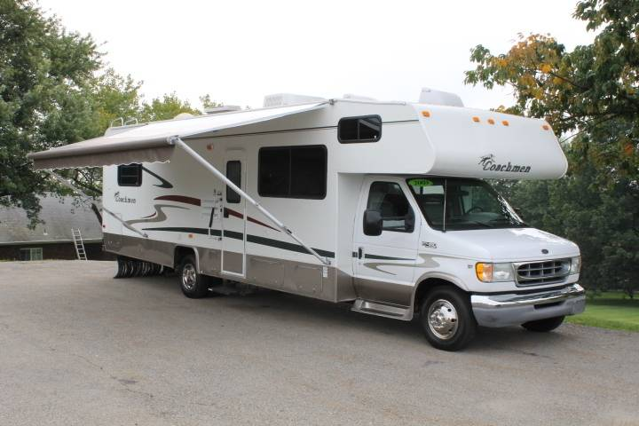 2003 Coachmen LEPRECHAUN 313QB