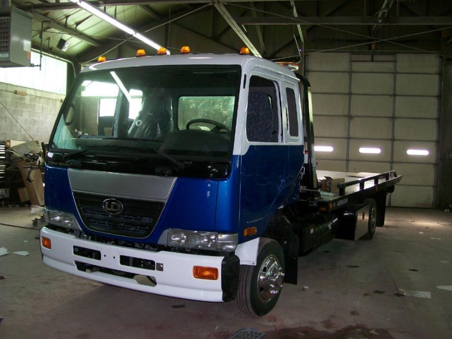 2008 Ud Trucks 2000  Rollback Tow Truck