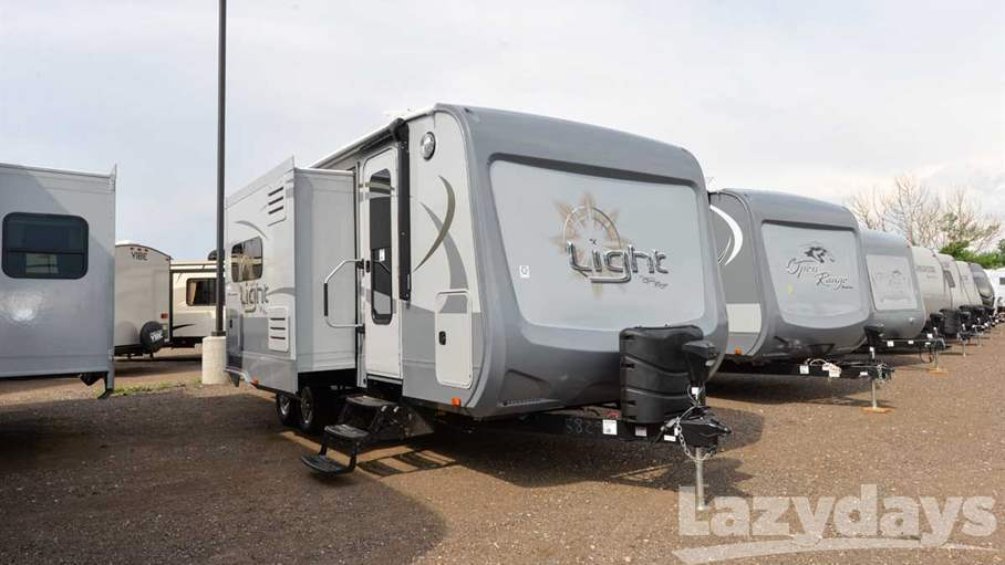 2017 Open Range Light 221RQB
