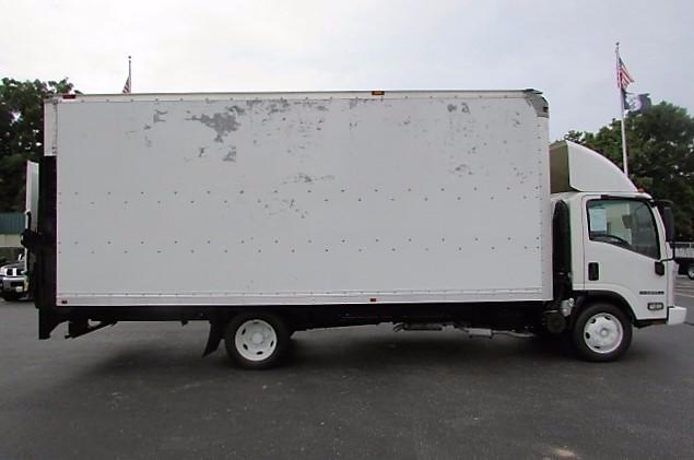 2009 Isuzu Npr Box Truck - Straight Truck