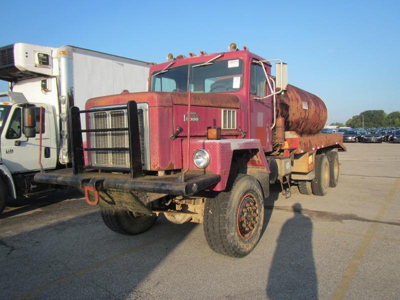 1986 International Paystar 5000 Tanker Truck