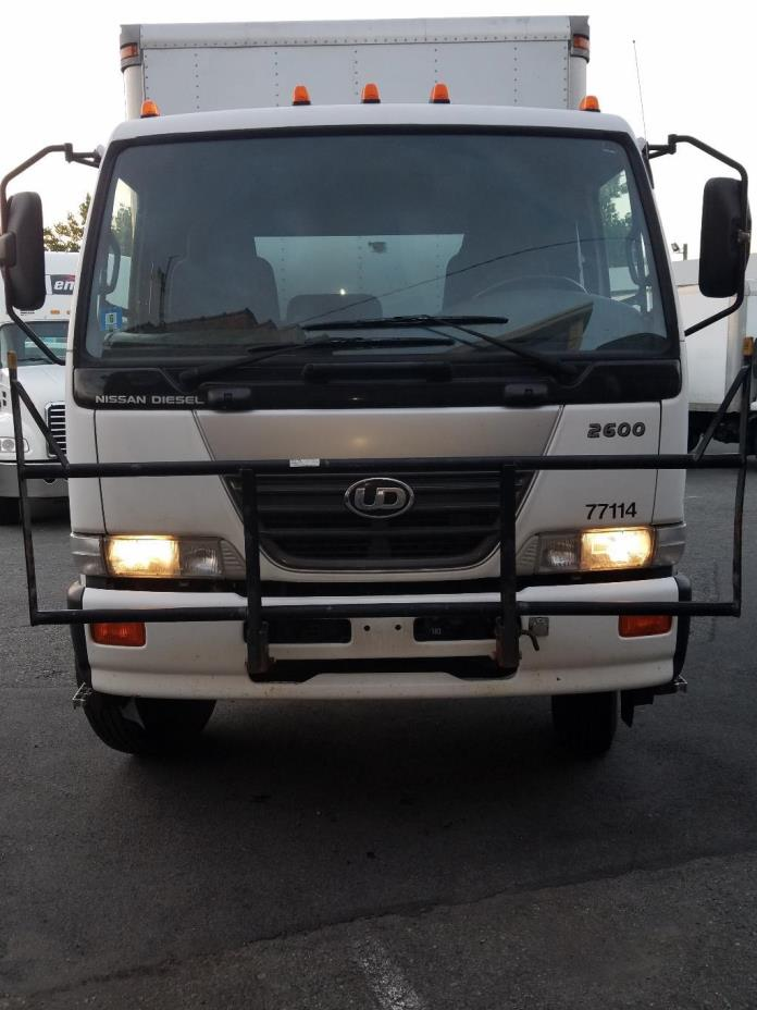 2007 U D 2600  Conventional - Day Cab