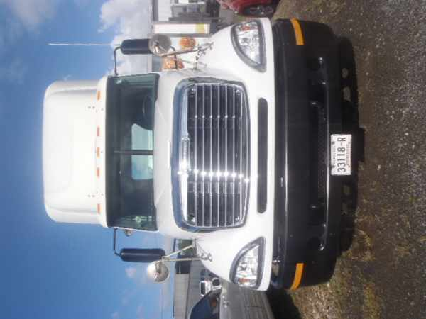2007 Freightliner Columbia 120  Conventional - Day Cab