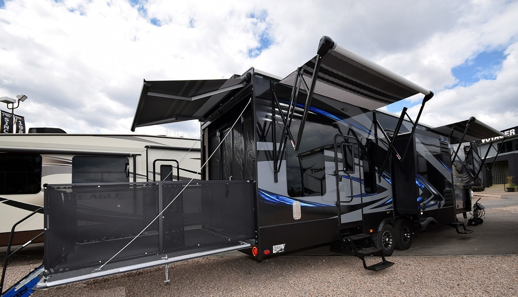 Keystone Fuzion Fz345 Monster Package Plus Rvs For Sale