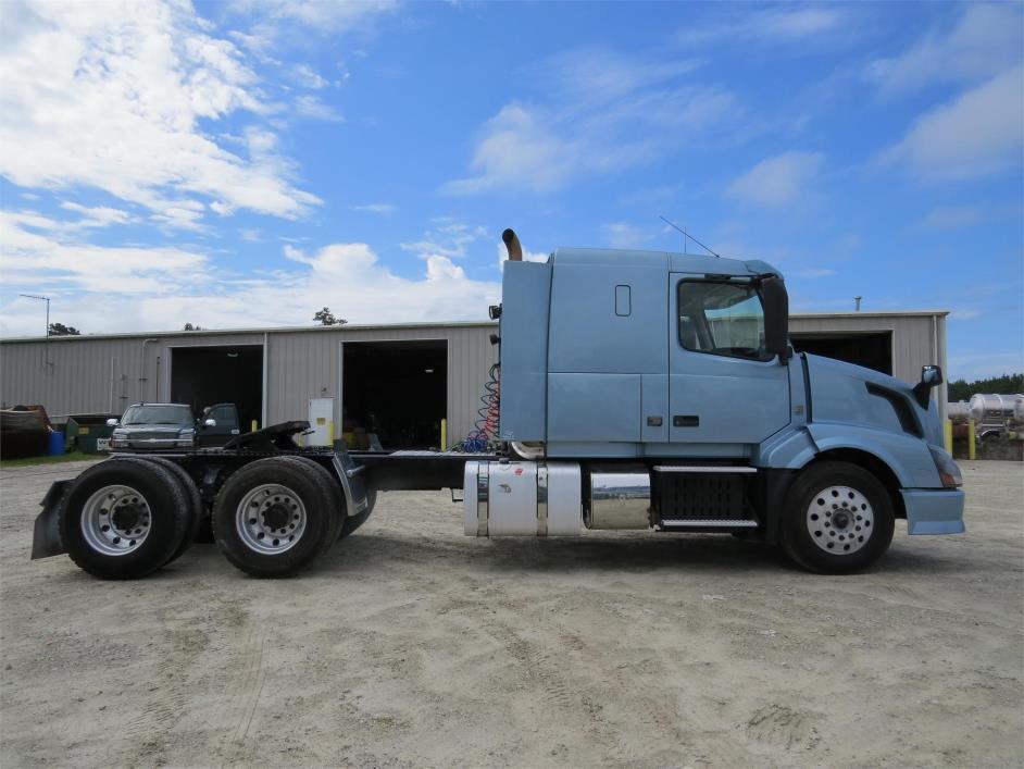 2012 Volvo Vnl64t430 Dump Truck