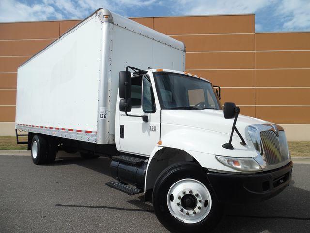 2006 Ihc 4200  Box Truck - Straight Truck