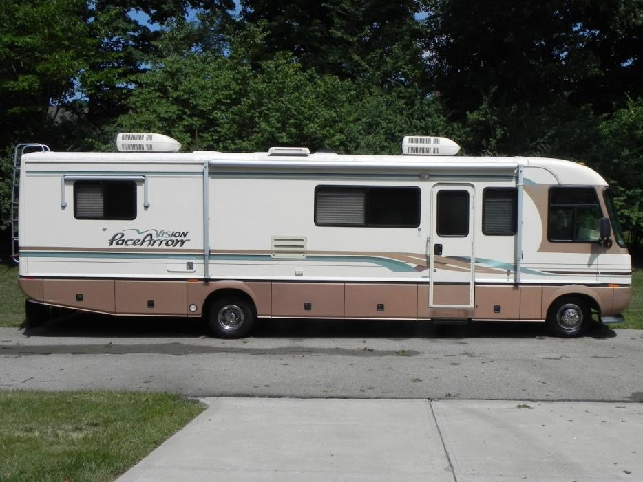 1996 Pace-Arrow VISION SERIES 35-W
