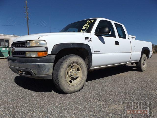 2000 Chevrolet Silverado 2500 4x4  Pickup Truck