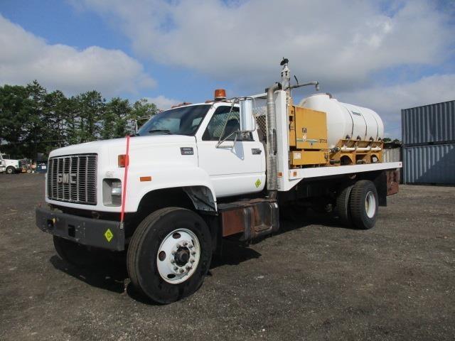 2002 Gmc C7500  Water Truck