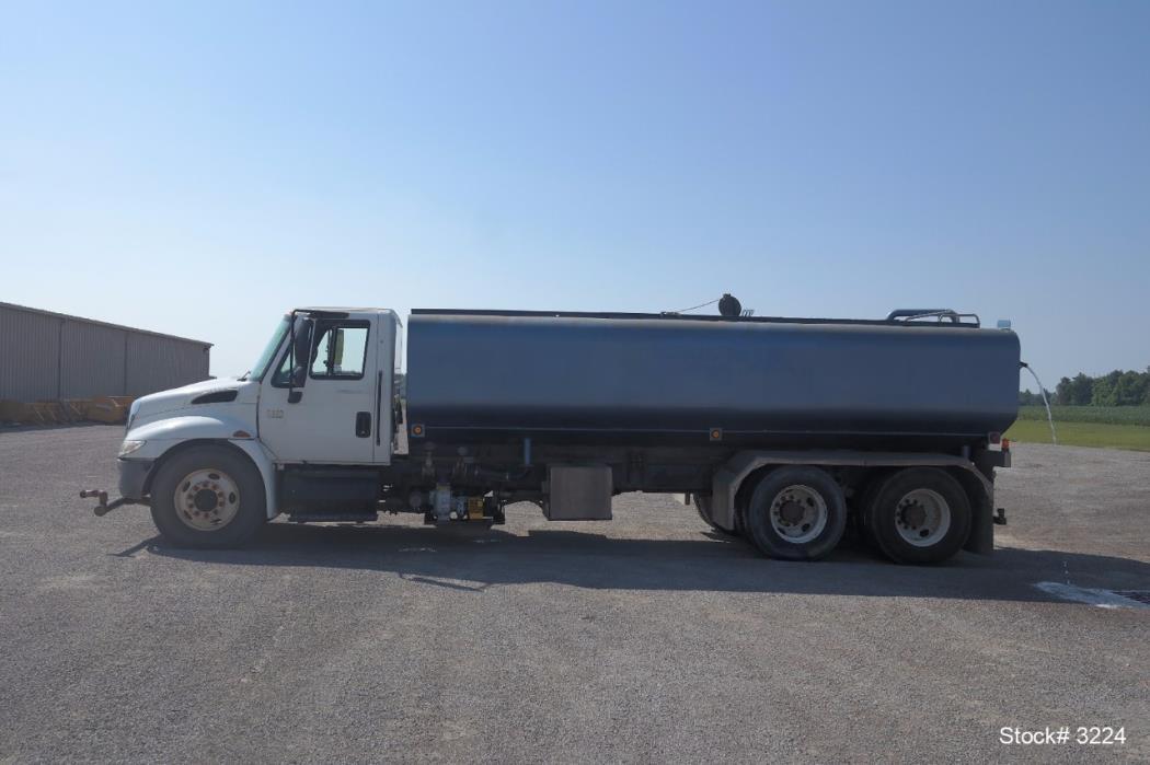 2006 International Durastar 4400 Tanker Truck