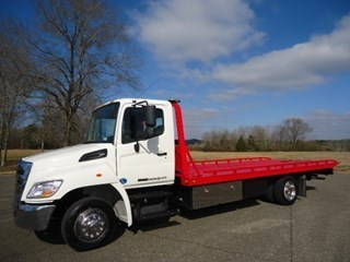 2013 Hino 268  Rollback Tow Truck
