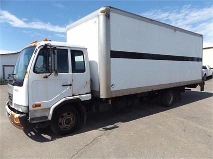 2006 Ud Trucks 2000  Box Truck - Straight Truck