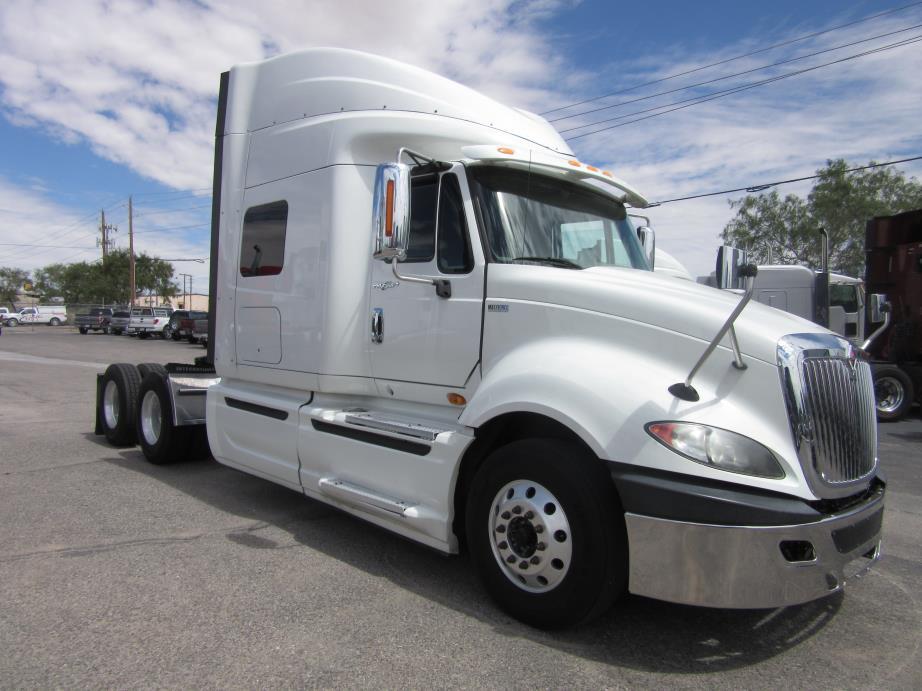 2012 Navistar Prostar Conventional - Sleeper Truck