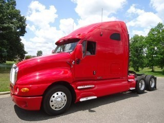 2009 Kenworth T2000 Conventional - Sleeper Truck
