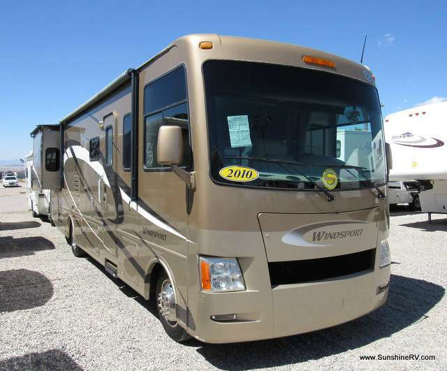 2010 Thor Motor Coach Windsport 32A Semi-Basement