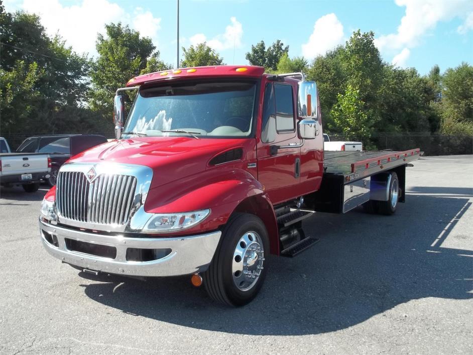 2013 International 4300  Rollback Tow Truck