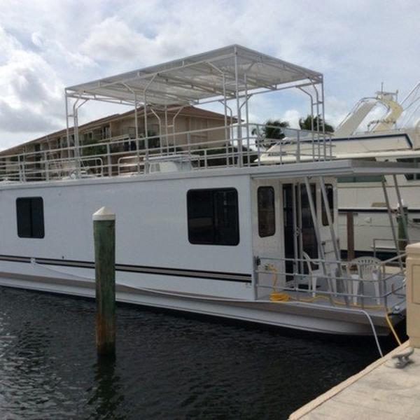 2016 Catamaran Cruiser 12' x 42'