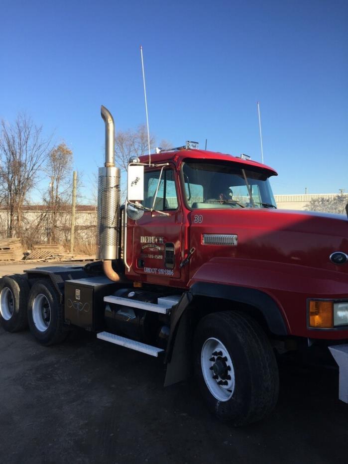 1999 Mack Cl753  Tractor