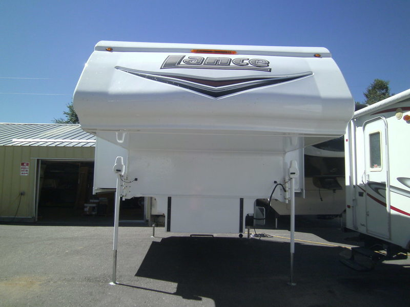 2017 Lance Truck Campers 1062