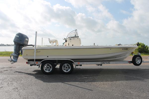 2003 Scout Boats 220 Bay Scout