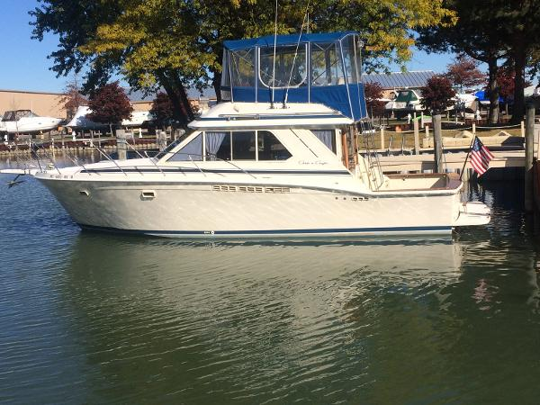 1986 Chris Craft 382 Commander Sport Sedan