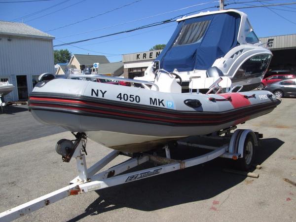 2014 Zodiac Boats Bayrunner 500