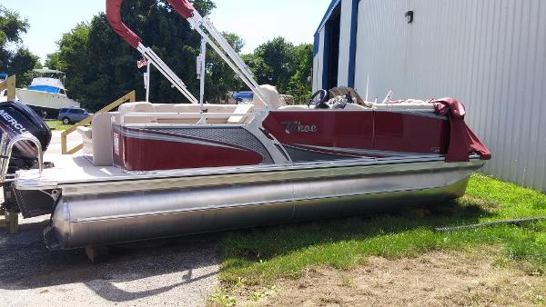 2016 Tahoe Pontoon LTZ Cruise Rear Bench
