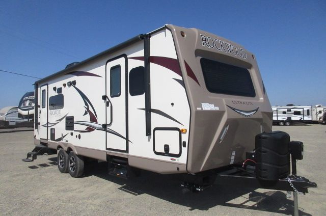 2017 Forest River Rockwood Ultra Lite 2604WS SOLID SURFACE