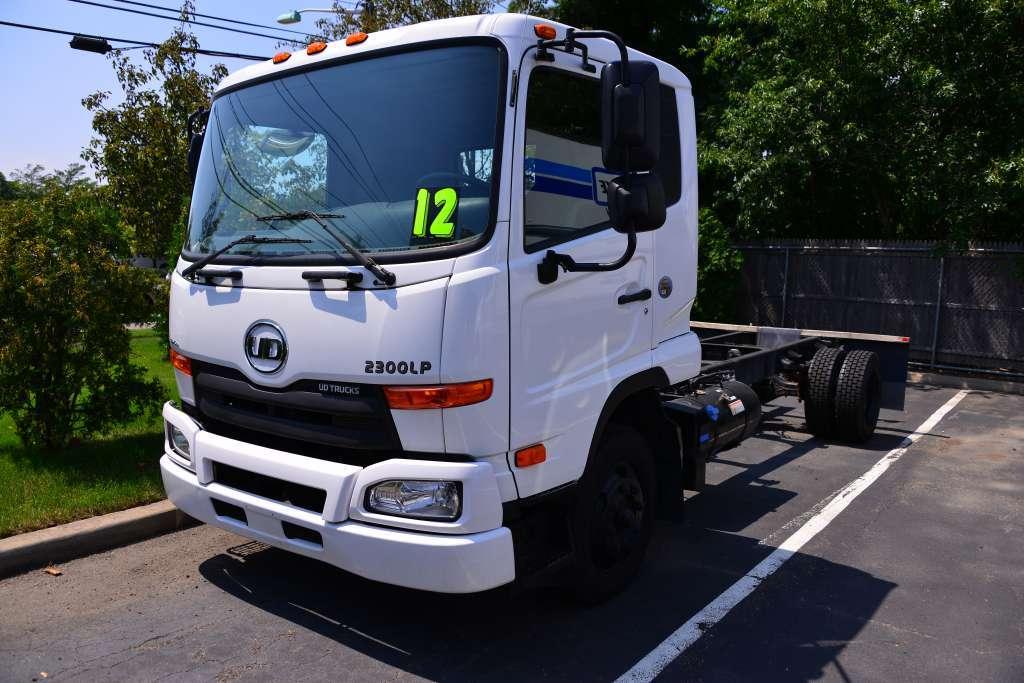 2012 U D Ud2300lp  Cab Chassis